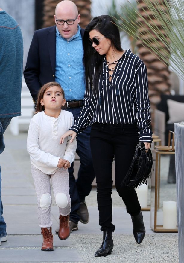 Looks like kourtney kardashian and scott disick are back for Where do the kardashians shop for furniture