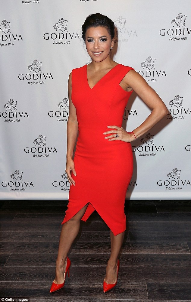 Eva Longoria sizzles in tight-fitting red dress  Welcome to ...